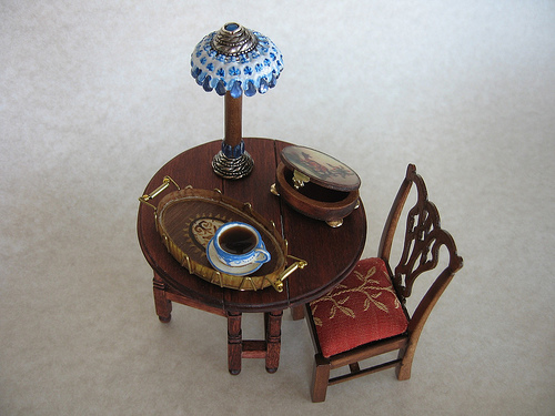 Maria Armanda miniature dining set