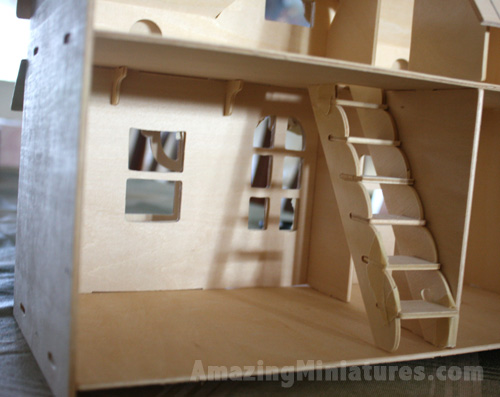 Creatology Dollhouse w/ Veranda Strange Stairway Placement