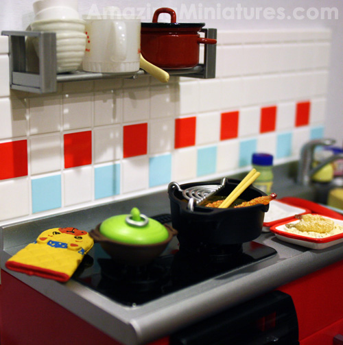 Messy Commercial Kitchen: Re-Ment Miniatures Scene: The Messy Kitchen