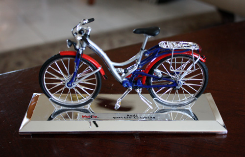 Maisto Audi Quattro Bike in 1:12 Scale